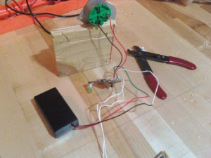 3 volt battery box hooked up with motor